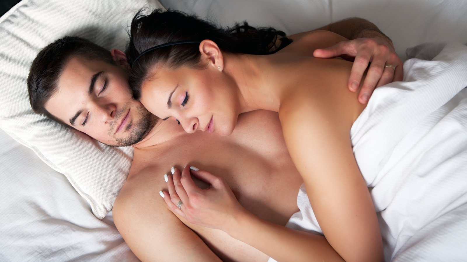 Смотреть первый в жизни секс молодой пары 163