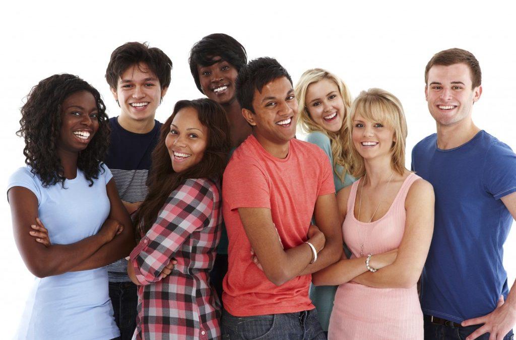 разные расы на одном фото