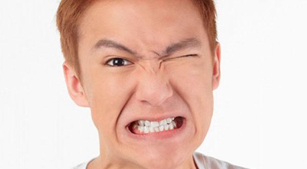 Подергивание лицевых мышц