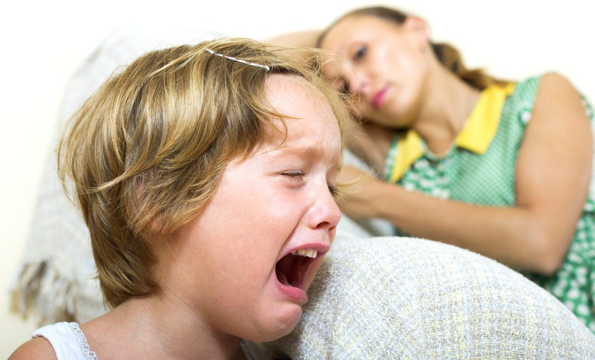Детские истерики: полный ликбез молодым родителям