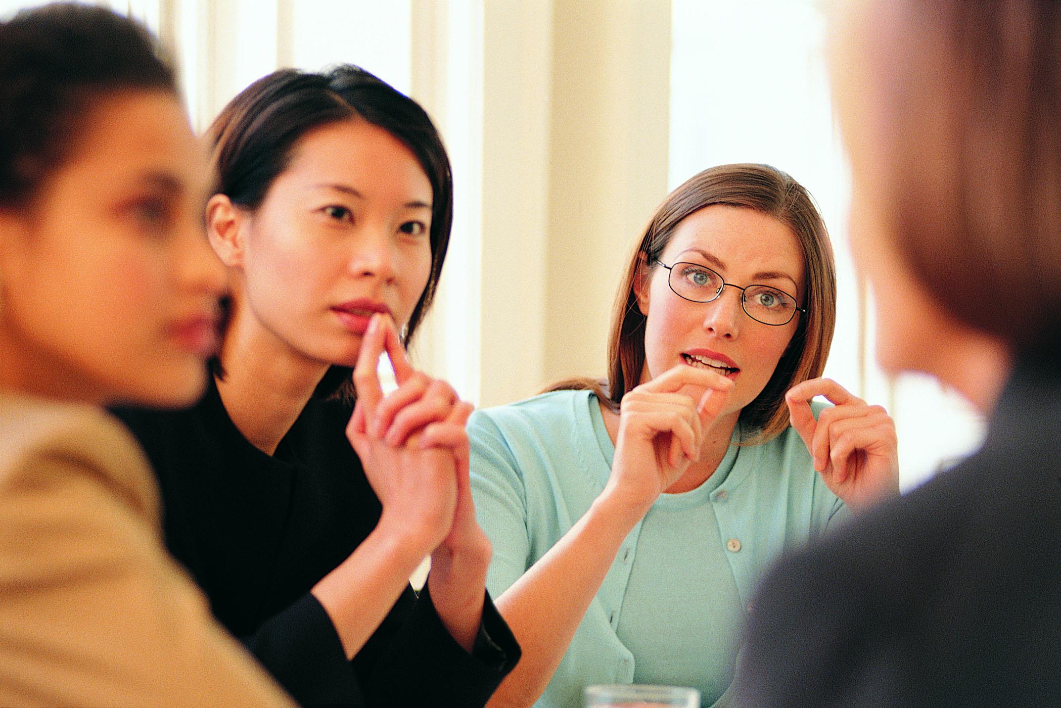 Как научиться правильно общаться с людьми